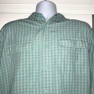 Vineyard Vines Shirts - Vineyard Vines Men's Button Down Marina Shirt (L)